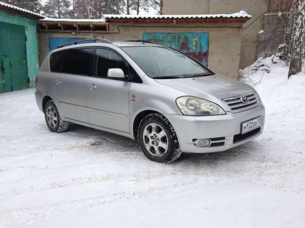 Toyota Ipsum, 2002 год, 384 000 руб.
