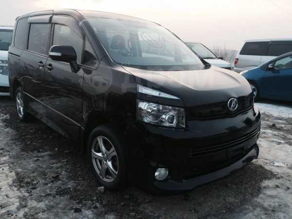 Toyota Voxy, 2008 год, 309 000 руб.