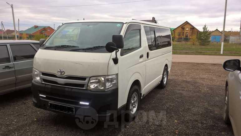 Toyota Hiace, 2010 год, 1 400 000 руб.