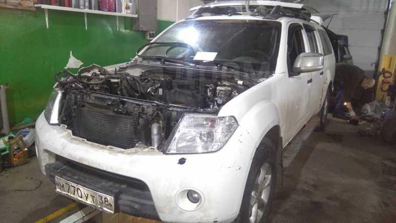 Nissan Navara, 2011 год, 650 000 руб.