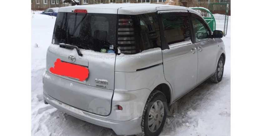 Toyota Sienta, 2004 год, 335 000 руб.