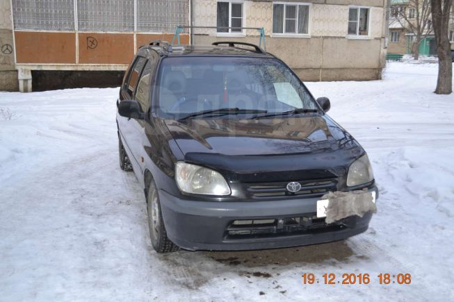 Toyota Raum, 1998 год, 185 000 руб.