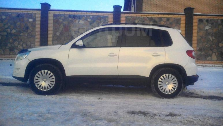 Volkswagen Tiguan, 2010 год, 655 000 руб.