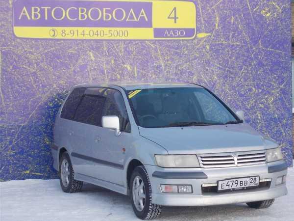 Mitsubishi Chariot Grandis, 2001 год, 230 000 руб.