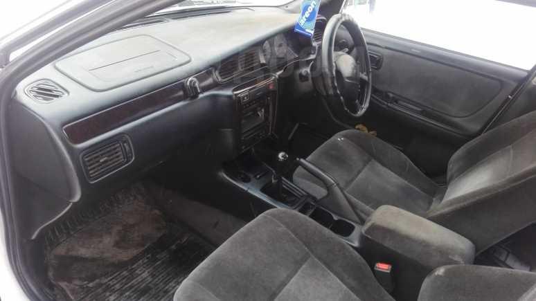 Nissan Bluebird, 1997 год, 100 001 руб.