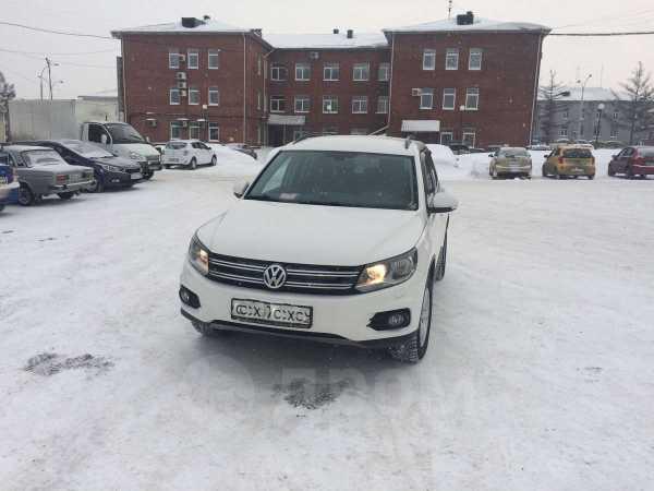 Volkswagen Tiguan, 2013 год, 929 000 руб.