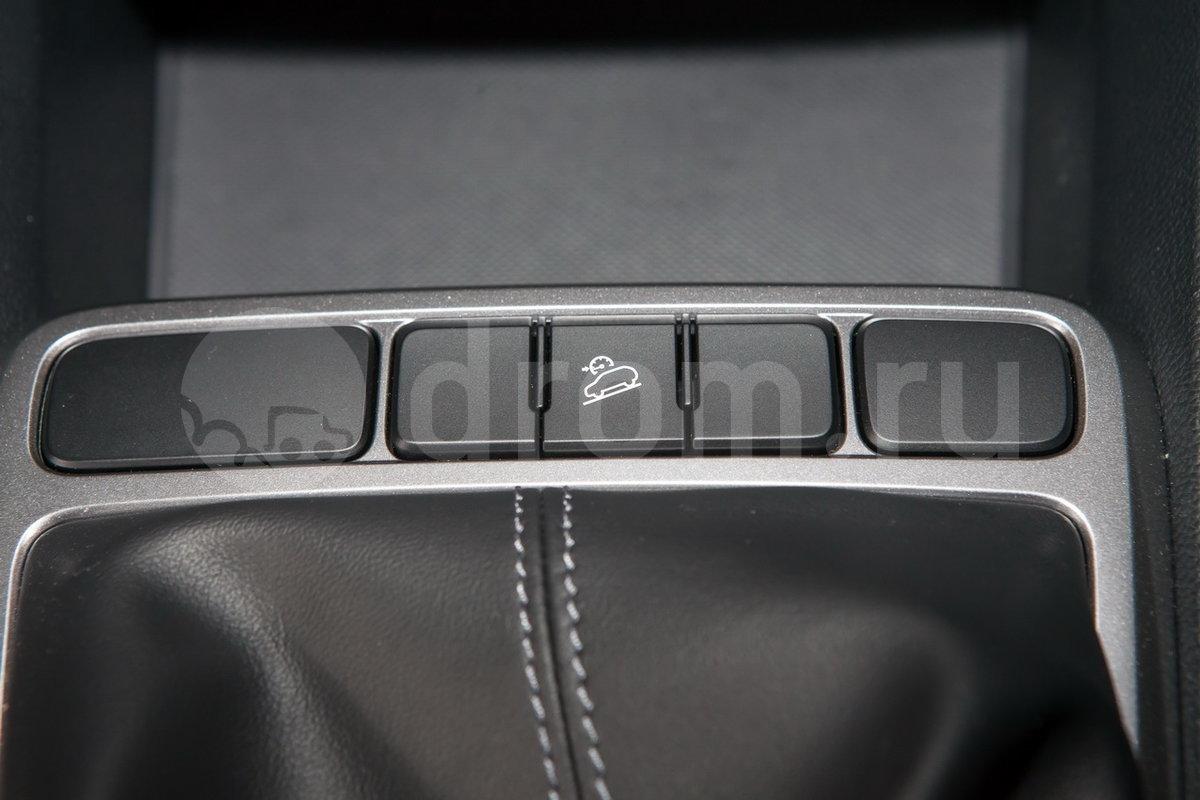 Электроподогрев передних сидений: нет