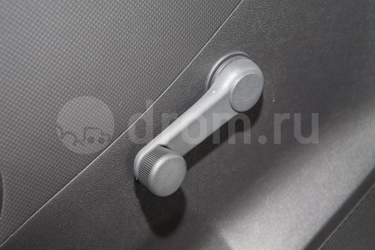 Электрические стеклоподъемники задние: нет