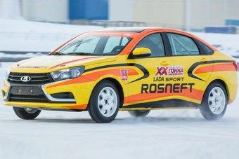 Первый публичный показ Lada Vesta Sport для профессионалов состоится 15 января.