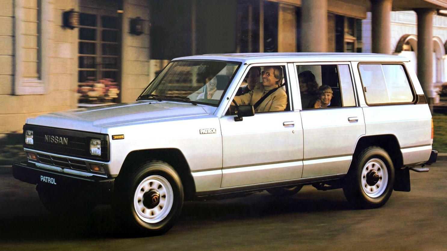 Народное ретро Nissan Patrol Safari Y60 Y61 В тени