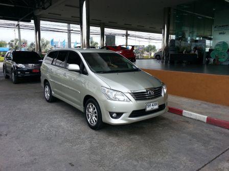 Toyota Innova 2011 - отзыв владельца