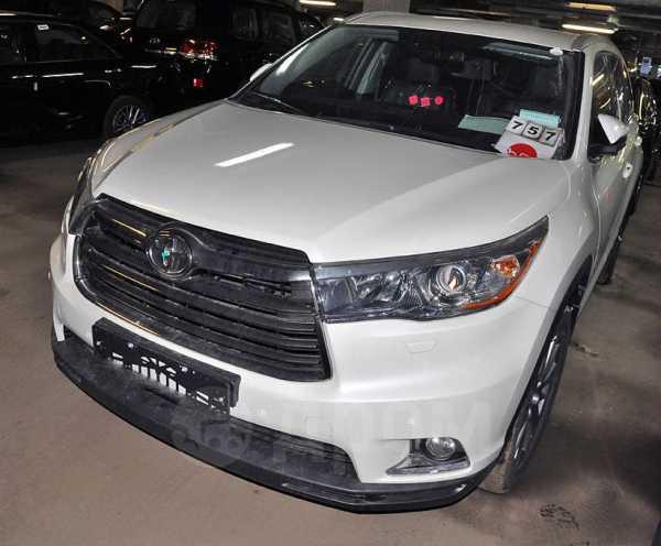 Toyota Highlander, 2016 год, 3 774 500 руб.