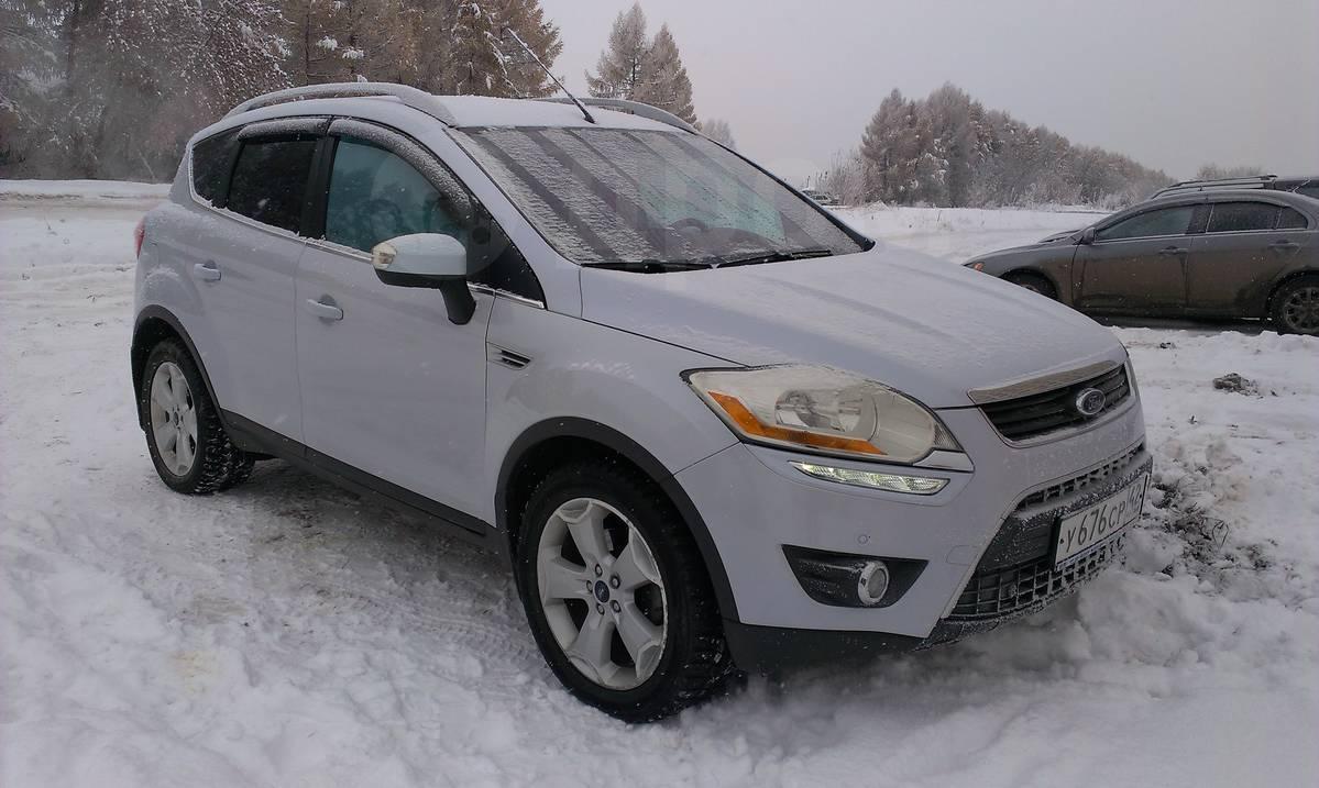 модель автомобиля ford kuga 2009