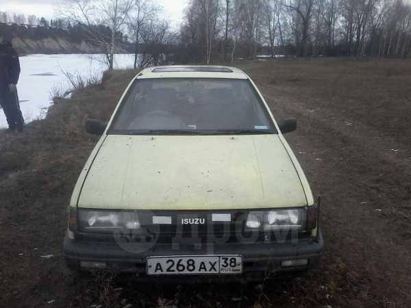 Isuzu Gemini, 1989 год, 35 000 руб.