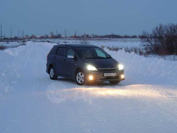 Toyota Wish, 2004 год, 475 000 руб.