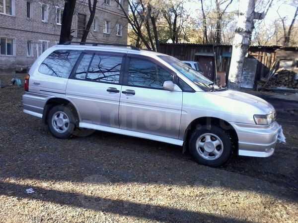 Nissan Prairie Joy, 1996 год, 240 000 руб.
