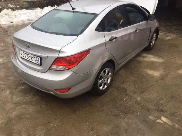 Hyundai Solaris, 2013 год, 195 000 руб.