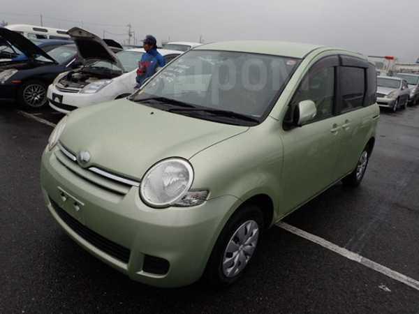 Toyota Sienta, 2014 год, 750 000 руб.