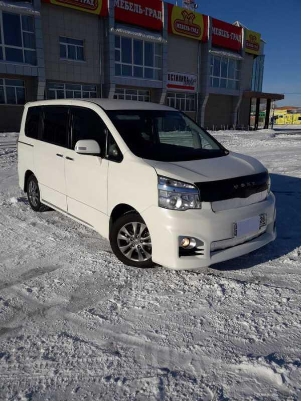 Toyota Voxy, 2013 год, 1 280 000 руб.