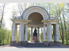 Павильон Росси и памятник Марии Фёдоровне (Архитектура)