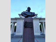 Бюст Г.К. Жукова (Памятник)