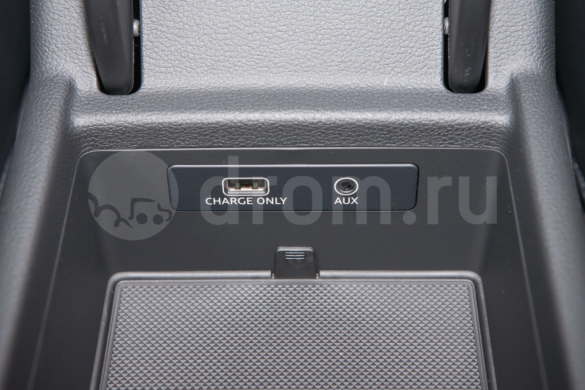 Дополнительное оборудование аудиосистемы: 8 динамиков, AUX, USB, SDXC-слот