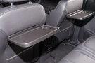 Дополнительно: Откидные столики на спинках передних сидений (опция)