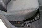Регулировка передних сидений: Механическая  регулировка в четырех направлениях