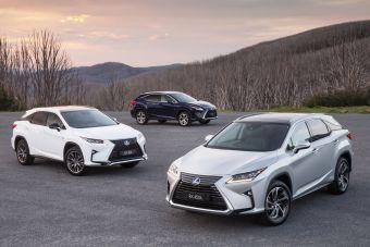Модели Lexus заняли первые три места в рейтинге продаж премиум-автомобилей в РФ в 2016 году.