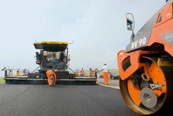 В этом году в городе отремонтируют 32 дороги протяженностью 61,2 км.