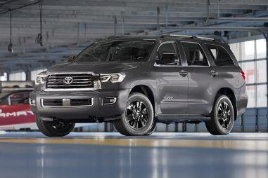 Toyota модернизировала пикап Tundra и внедорожник Sequoia