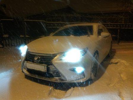 Lexus ES250 2016 - отзыв владельца