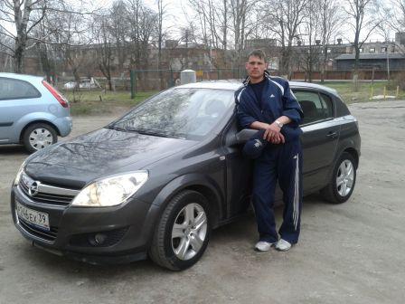 Opel Astra Family 2009 - отзыв владельца