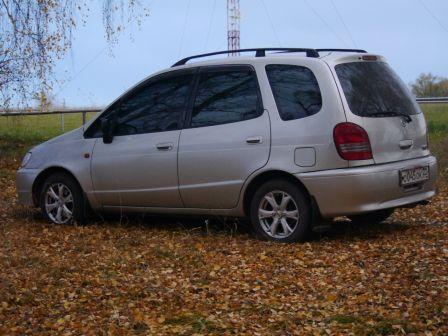 Toyota Corolla Spacio 2000 - отзыв владельца