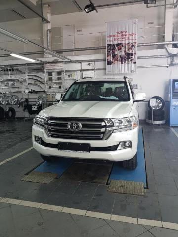 Toyota Land Cruiser 2016 - отзыв владельца
