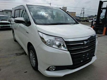 Toyota Noah 2016 - отзыв владельца