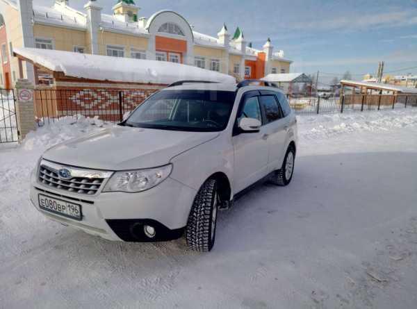 Subaru Forester, 2011 год, 930 000 руб.