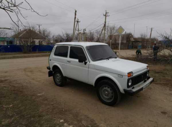 Лада 4x4 2121 Нива, 1999 год, 117 000 руб.