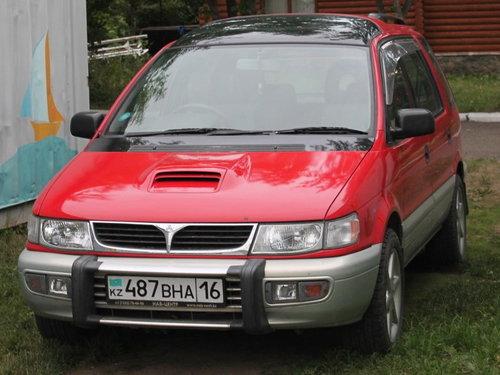 Mitsubishi Chariot 1994 - 1997