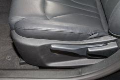 Регулировка передних сидений: Сиденье водителя с регулировкой в 6 направлениях, пассажира - в 4