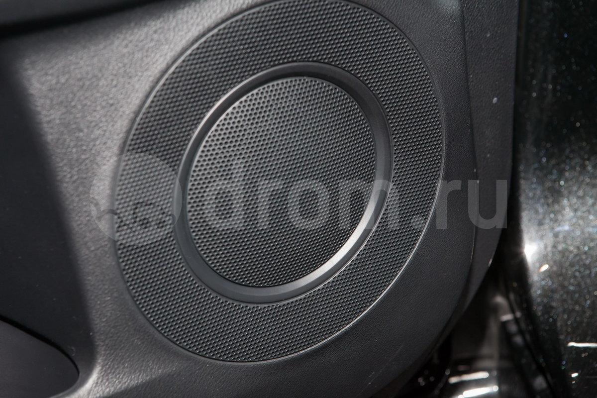 Дополнительное оборудование аудиосистемы: Аудиосистема Mark Levinson Premium Surround, USB, AUX, 8 динамиков