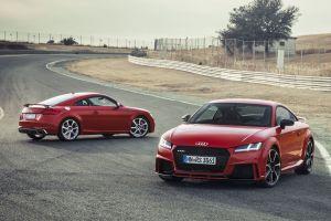 Audi TT RS с рядной 400-сильной «пятеркой» стоит от 4,6 млн рублей