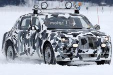 Это первый случай, когда журналистам попался живой образец автомобиля из проекта «Кортеж».