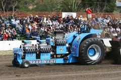 Необычные автоспортивные соревнования. На тракторах и с поросятами - «Автоновости»