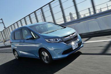 Тест-драйв Honda Freed нового поколения
