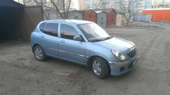 Daihatsu Sirion 2004 - отзыв владельца