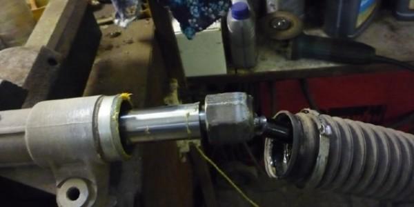 Фотоотчет по ремонту рулевой рейки Фольксваген Поло седан 79