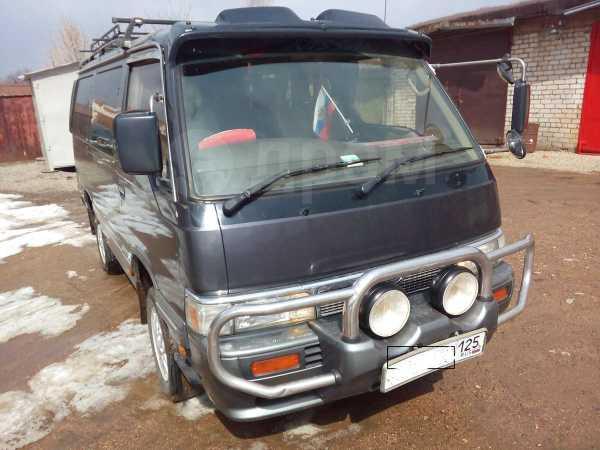 Nissan Caravan, 1995 год, 290 000 руб.