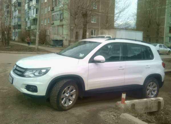 Volkswagen Tiguan, 2012 год, 1 180 000 руб.