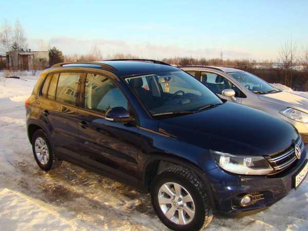 Volkswagen Tiguan, 2012 год, 990 000 руб.
